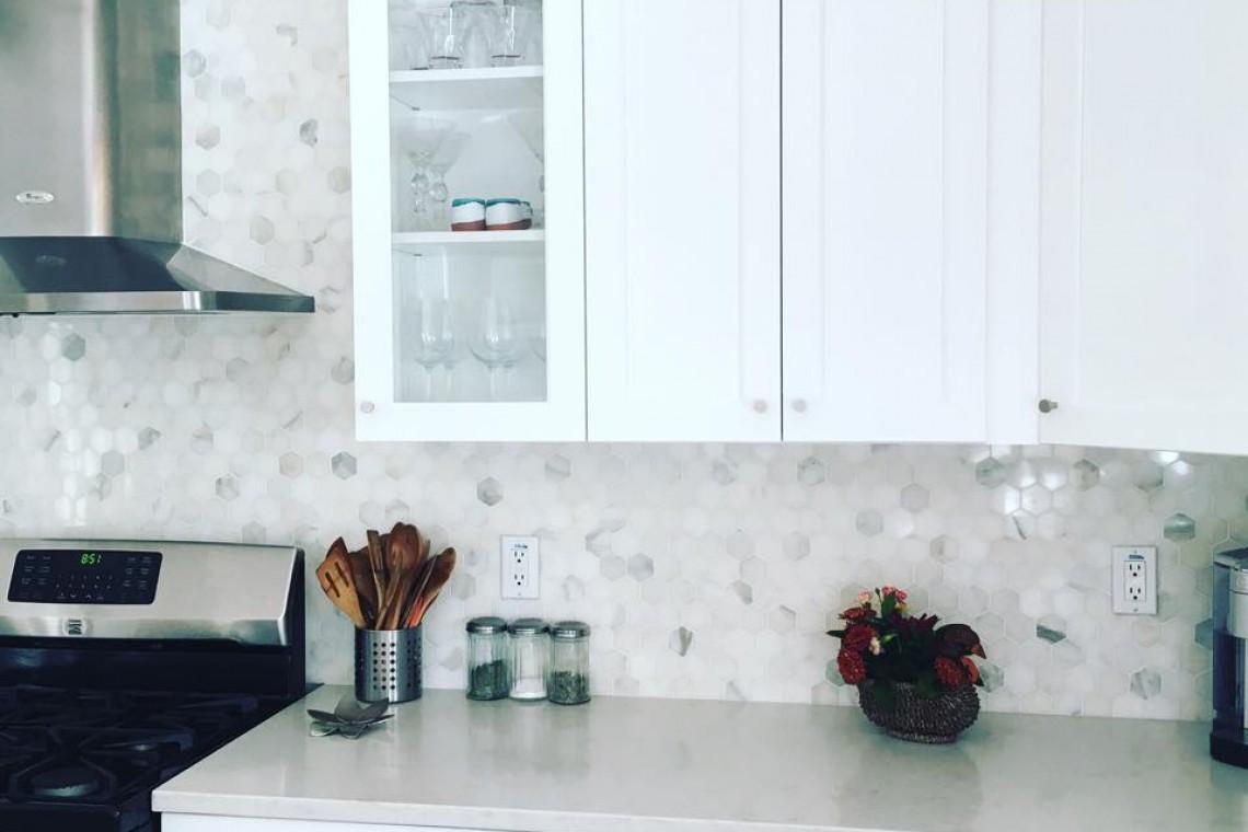 Tarmak-Usa-Stone-Marble-Bianco-Calacatta-Application-1-Honeycomb