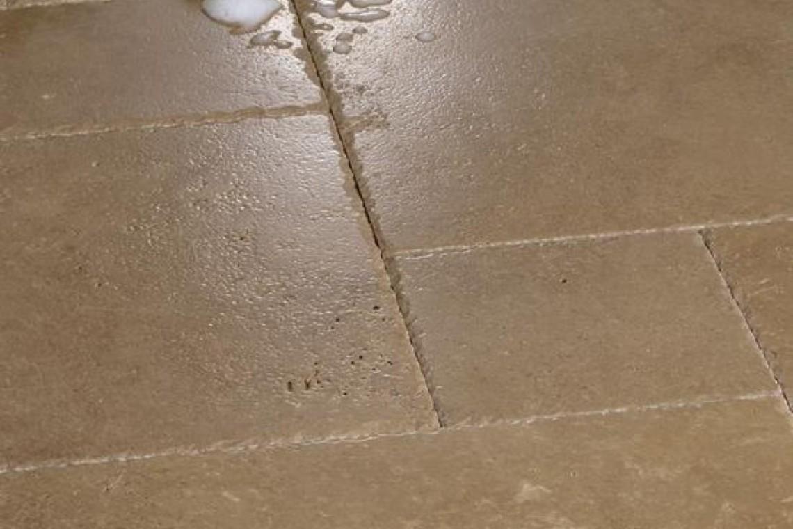 Tarmak-Usa-Stone-Travertine-Noche-Application-Pattern-closeup