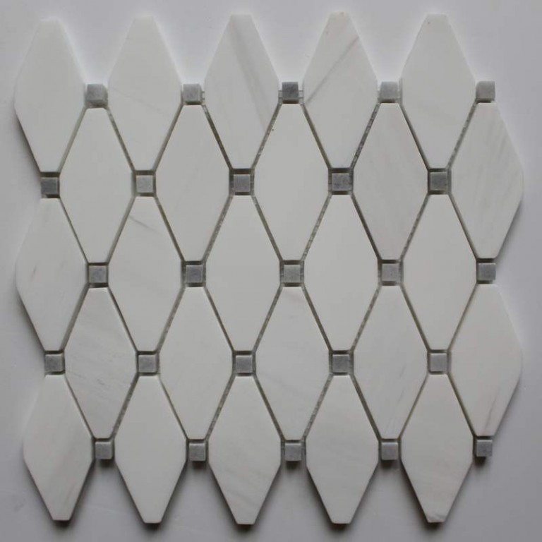 Tarmak-Usa-Stone-Mosaics-Clipped-Diamond-Bianco-Venato-With-Afyon-Gray-Dot