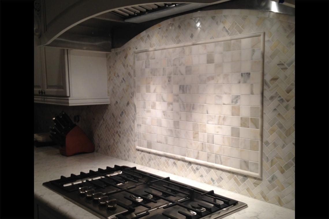 Tarmak-Usa-Stone-Marble-Bianco-Calacatta-Application-4-Herringbone-2x2-1x2-Polished-H